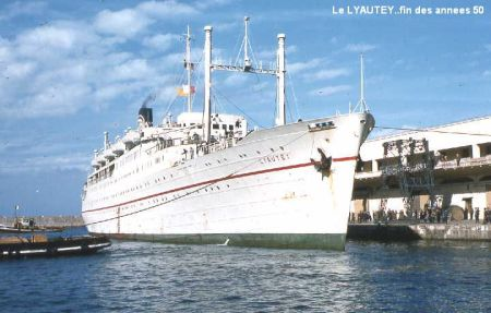 Le paquebot Lyautey dans le port de Marseille