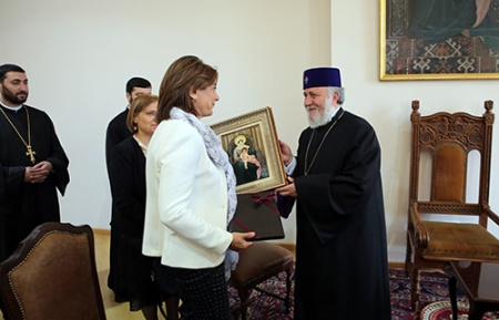 Rencontre de Martine Vassal avec le Catholicos Karékine II à Erevan, le 20 juin 2016 (©La Marseillaise)