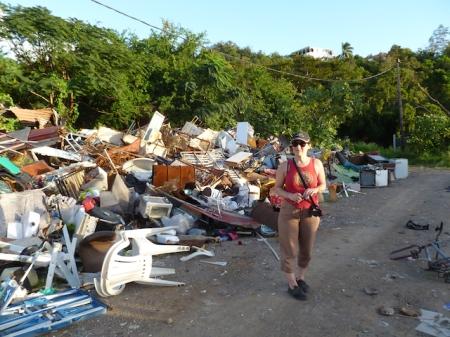 Décharge sauvage en Guadeloupe (photo Robin des Bois)